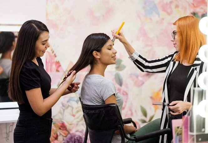 What Requirements Do You Need to To Get a Cosmetology License?